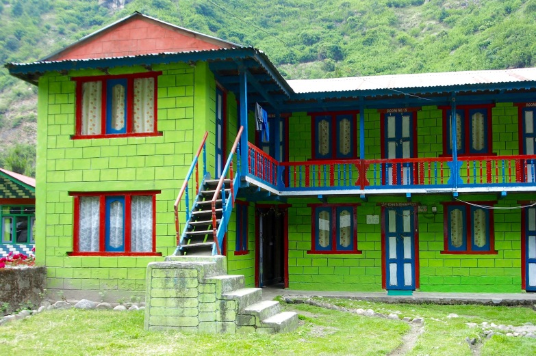 Many of the teahouses were brightly colored
