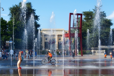 The UN building and fountains in Geneva