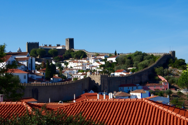 Even the more remote towns in Portugal are near great beaches and castles