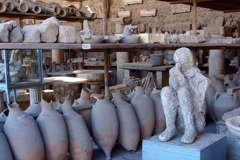 Artifacts from the once thriving city of Pompeii was buried in 4-6m of volcanic ash after the eruption of nearby Mount Vesuvius